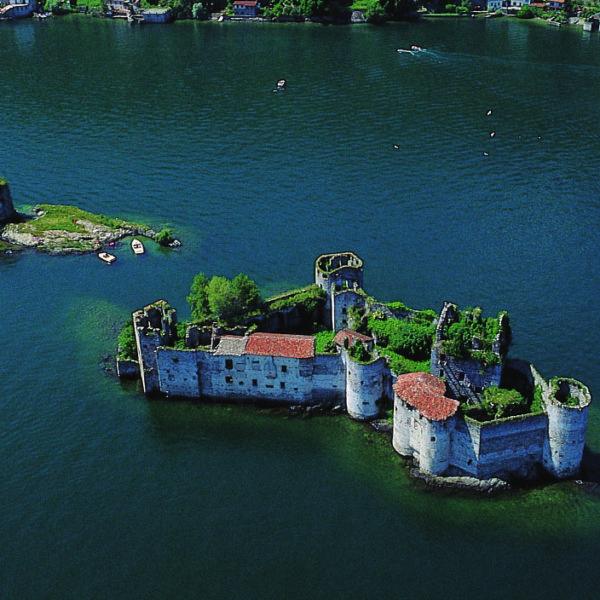 Castelli di Cannero - Foto Archivio Distretto Turistico dei Laghi