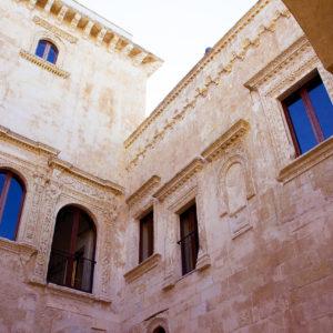 Palazzo Vernazza - Foto di Simone Macchia, licenza CC-BY-SA-3.0, da Wikimedia Commons