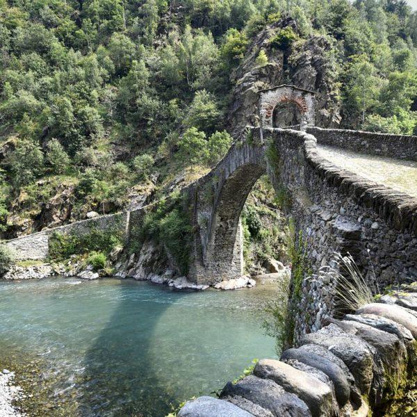 Ponte del Diavolo - Foto di Elio Pallard, licenza CC-BY-SA-4.0, da Wikimedia Commons