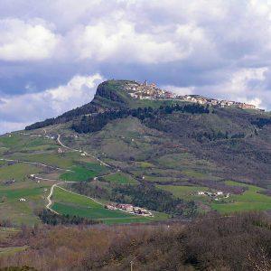 Cairano - Foto di Citterio, licenza CC-BY-SA-3.0, da Wikimedia Commons